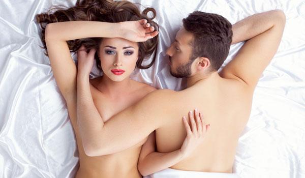 Macht sie dir im Bett nur was vor? Diese Anzeichen sprechen dafür.