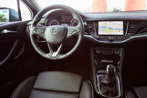 Opel Astra Innenansicht