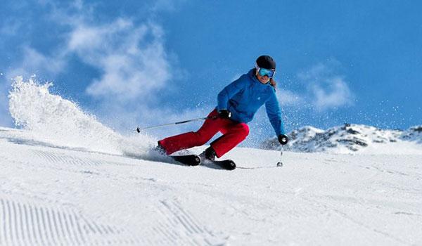 Sichere dir mit Salomon einen gratis 1-Tages-Skipass für Sölden!