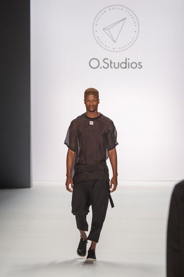 Fashion Week Show Odeur Herbst / Winter 16/17