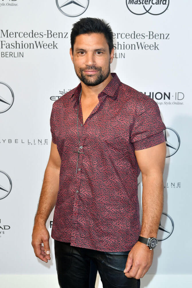 Manu Bennett auf der Fashion Week Berlin