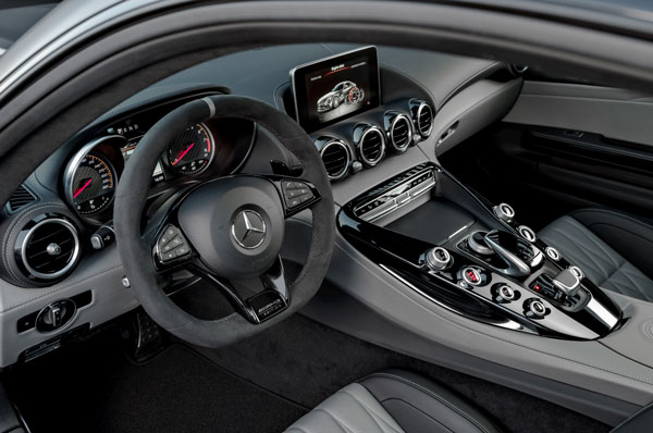 Mercedes AMG GT C Edition 50 Cockpit