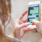 So einfach kannst du die WhatsApp-Nachrichten deiner Partnerin lesen