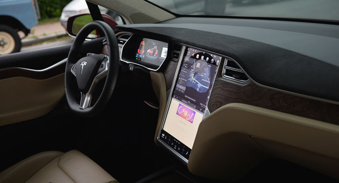 Tesla Innenraum