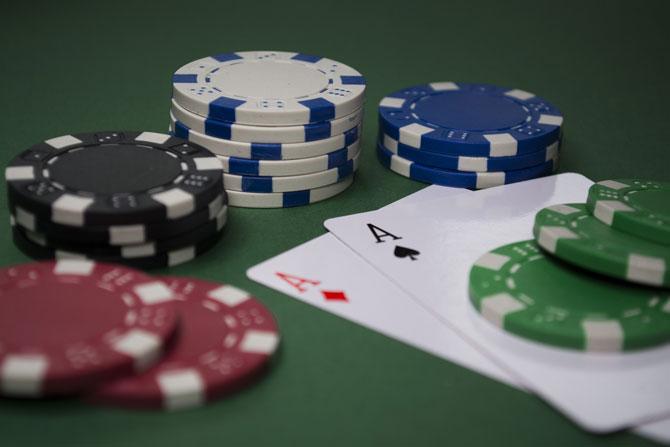 Geld verdienen mit Poker spielen