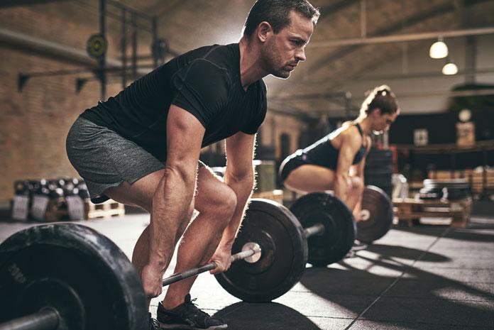 Krafttraining Gewichte heben