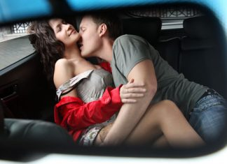 Sex im Auto: Die besten Tipps für eine heiße Fahrt