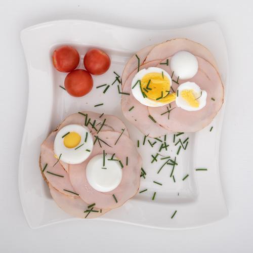 Herzhaftes Frühstückbrötchen