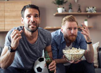 Cooler Fußballabend mit Freunden: Was gehört dazu?