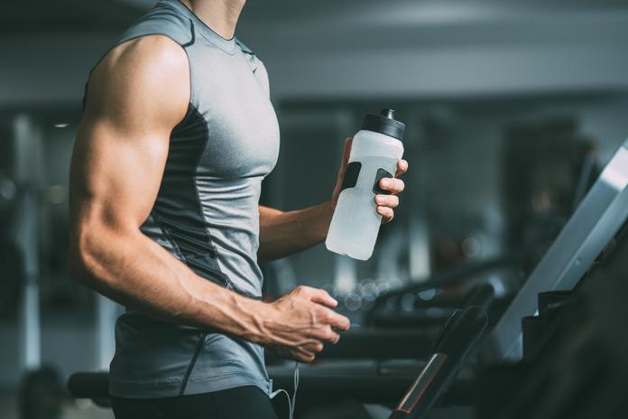 Regelmäßiger Sport verbessert den Blutdruck und stärkt das Selbstvertrauen.