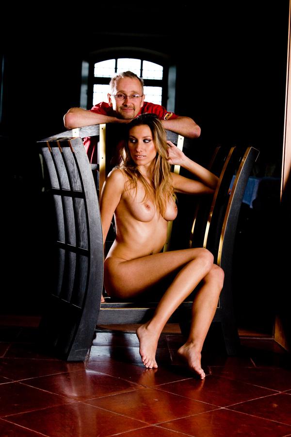Seltenheitswert: Tom Rider vor der Kamera mit Model Nadine-Yvonne Fotograf: Bernd Passauer