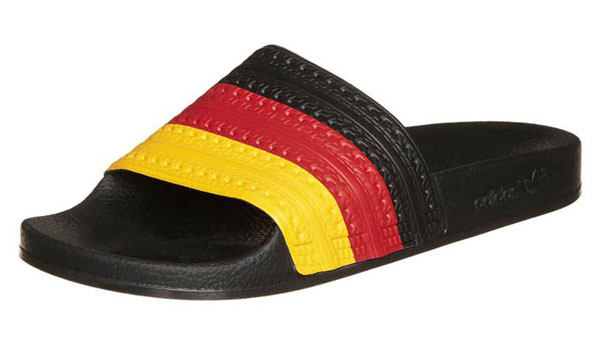 adidas Originals ADILETTE FLAGS - Badesandale - black  - 26,95 €