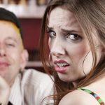 Was sind bei einem Date die absoluten No-Gos? Unsere 10 größten Dating Abturner zeigen es dir.